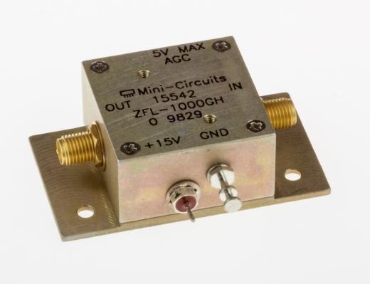 Breitbandverstärker 10 MHz - 1200 MHz, 24 dB (mit AGC-Eingang)